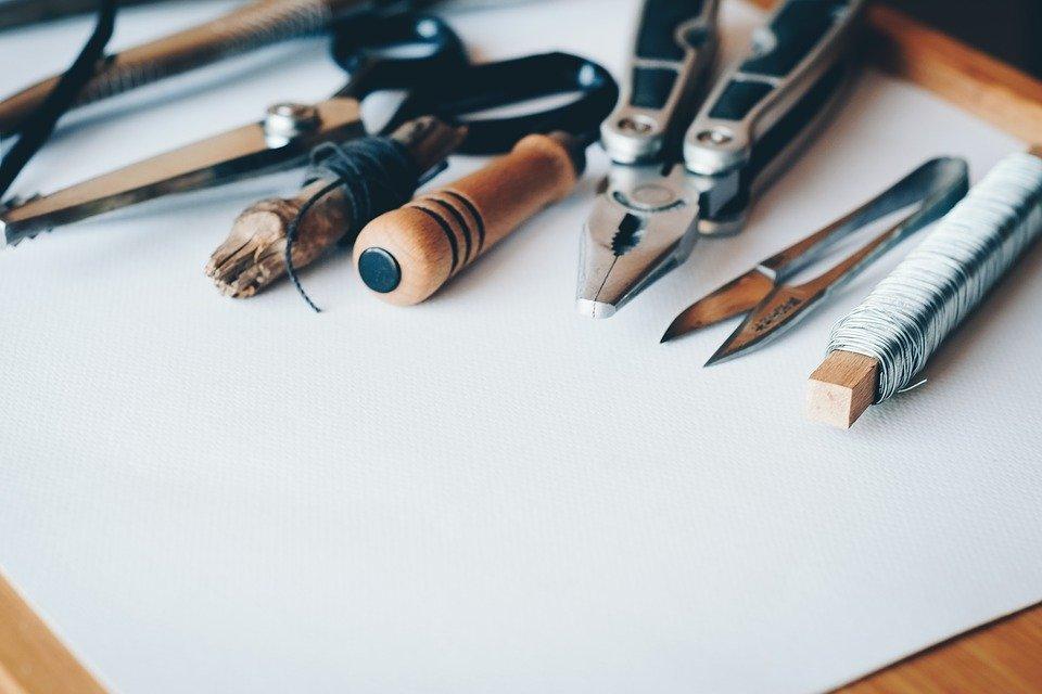 ハサミなどの道具