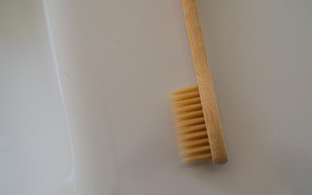 茶色い歯ブラシ